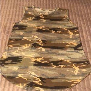 Bombom Camo sleeveless top
